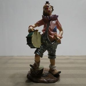 Other - CLOWN porcelain music theme figurine